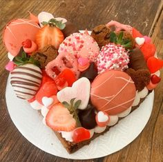Bouquet Box, Dessert Boxes, Valentine Cookies, Custom Cakes, Baked Goods, Donuts, Panna Cotta, Tray, Baking