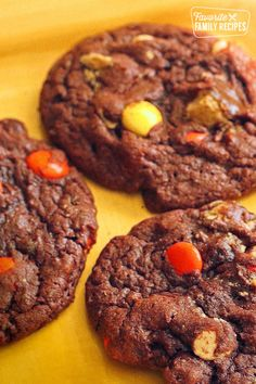 Reese's Pieces Cookies are chock full of peanut butter candy goodness in a chocolaty fudge cookie. You'll get chocolate and peanut butter in every delicious bite! Peanut Butter Bites, Peanut Butter Candy, Chocolate Peanut Butter Cookies, Cookie Recipes, Snack Recipes, Dessert Recipes, Snacks, Dessert Bars, Yummy Recipes