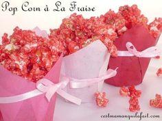Faites vous même ce superbe pop-corn rose-rouge parfumé à la fraise. Voici une gourmandise, facile et au bon gout de fraise pour votre Valentin ou Valentine. Parfait aussi à grignoter en regardant une comédie romantique à deux.