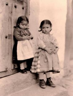 La Alberca-Salamanca. Espala1925.Nenas albercanas. Fotógrafa:.Ruth Matilda Anderson Matilda, Clarence White, Anton Pieck, Sierra, Historical Photos, Childhood, Antiques, Children, Drawings