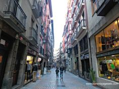 City Guide Bilbao: Casco Viejo. Spanish and French posts.