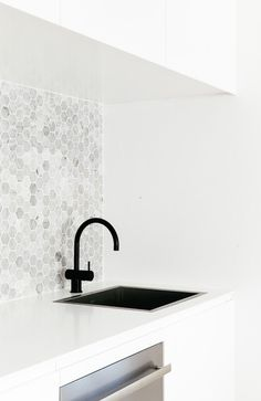 Kitchen backsplash ideas that will brighten and modernize your kitchen. with cabinets, diy for big and small kitchen - white or dark cabinets, tile patterns Square Kitchen Sink, Kitchen Backsplash, Kitchen White, Backsplash Ideas, Hexagon Backsplash, Kitchen Soffit, Square Sink, Splashback Tiles, Laundry Design