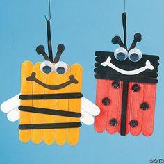 Abelha e Joaninha feitas com glossocátocos e pauzinhos de gelado pintados