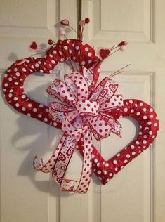 90 Easy Dollar Store DIY Valentine& Day Wreath Ideas That Make Your Front Door Romantic . - 90 Easy Dollar Store DIY Valentine& Day Wreath Ideas That Make Your Front Door Romantic …, - Diy Valentines Day Wreath, Fun Valentines Day Ideas, Valentines Day Decorations, Valentine Day Crafts, Homemade Valentines, Valentine Tree, Valentine Stuff, Diy Valentine's Day Decorations, Decor Ideas