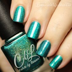 The Polish of the Month for August 2015 is called Believe in Miracles. A medium teal toned green that has an intense linear holo with lime and turquoise flash. 1-2 coat coverage. Swatch by @bruisedupdollie