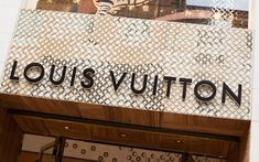 4 Rules for Luxury Brand Mobile Marketing    http://mashable.com/2012/07/06/luxury-brand-mobile-content-marketing/#