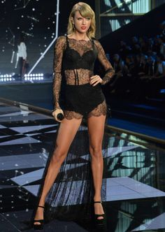 Taylor Swift | Style | Victoria's Secret Fashion Show 2015 | She never goes out of style