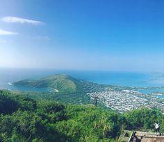 Mer vacker utsikt från Koko head leden. Hanauma Bay, Hawaii Travel, Island, Mountains, Instagram Posts, Islands, Bergen