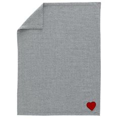 Heartfelt Blanket - Comfy wool blanket made by Peruvian artisans following fair trade guidelines that ensure respect to the environment and ethical treatment of animals used for sheering. Made from 100% baby alpaca wool.