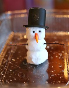 """MAGIC MELTING OLAF snowman {New Recipe} Foaming Dough you can use to make Magic Foaming Snowmen that """"melt"""" into an icy puddle of frothy foam! From Fun at Home with Kids Winter Activities, Christmas Activities, Craft Activities, Preschool Crafts, Camping Activities, Creative Activities, Creative Play, Kid Crafts, Winter Crafts For Kids"""