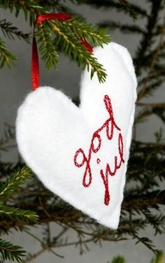 God Jul - Merry Christmas in Swedish. Except I would use burlap or off-white felt.