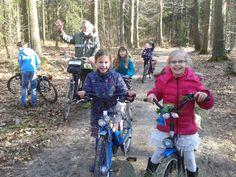 Lekker fietsen door de bossen in Gaasterland.