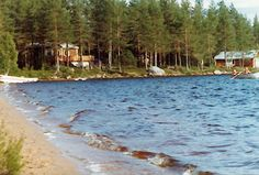 Gorgeous located cottage offering breathtaking views in quiet forest location directly on a lake shore in the beautiful district of Dalarna. 2 Bedrooms sleeping 6 in Malung, Dalarnas Lan, Sweden from just 590 EUR per week. Sweden, Fishing, Cottage, Boat, Mountains, Travel, Beautiful, Dinghy, Viajes