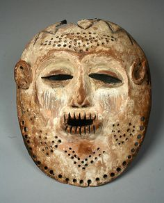 Africa | Bwani (Idimu) mask from the Lega people of DR Congo | Wood, pigment, kaolin | ca. 19th - 20th century