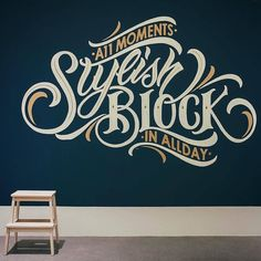 who loves MURALS?and if they look like this one I will definitely pin them to my lettering design ideas! Types Of Lettering, Brush Lettering, Lettering Design, Logo Design, Lettering Tattoo, Design Art, Design Ideas, Vintage Typography, Typography Letters