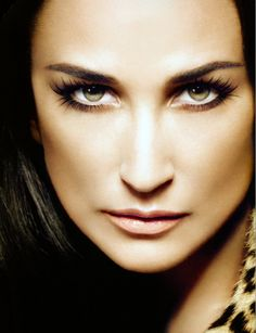 Demi Moore -  see mask Demi sleeps in - for younger looking skin. About ten dollars a night.  http://www.apennyforyourwraps.com/even-celebrities-love-it-works