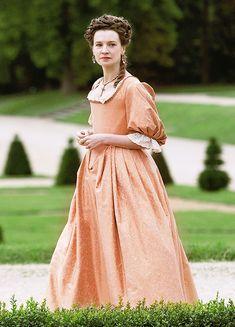 Catherine Walker as Madame de Maintenon in 'Versailles' 17th Century Clothing, 17th Century Fashion, Rococo Fashion, French Fashion, Historical Costume, Historical Clothing, Versailles Season 2, Catherine Walker, Georgian Era
