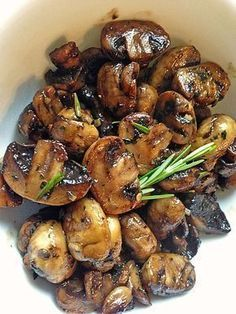 Antipasti - marinierte Champignons - Food and drink - Meat Appetizers, Appetizers For Party, Appetizer Recipes, Dinner Recipes, Marinated Mushrooms, Stuffed Mushrooms, Garlic Mushrooms, Antipasto, Hamburger Meat Recipes