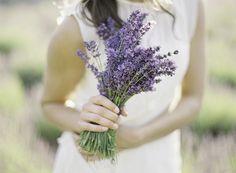 La lavanda es una planta aromática bellísima como ramo de novia.
