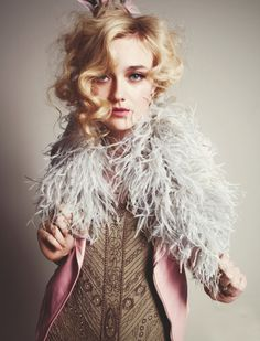 dakota fanning wonderland | Dakota-Fanning-Wonderland-April-May-2012-6.jpg