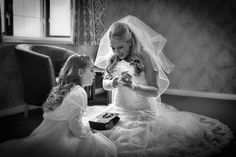 28 Striking Wedding Photos You Don't Want To Miss