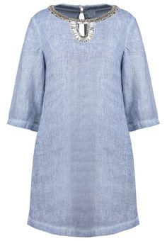 120% Lino Korte jurk star dust/blue fade Meer info via http://kledingwinkel.nl/product/120-lino-korte-jurk-star-dustblue-fade/