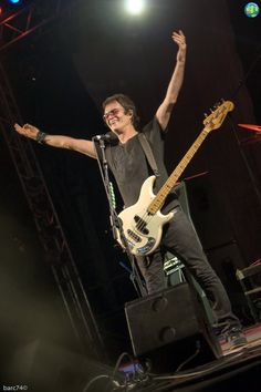 @glennhughes LIVE onstage @ Frogstock Fest in Riolo Terme, Italy ~ AUGUST 2008.