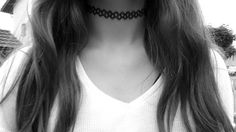 Imagen vía We Heart It #and #black #fashion #girl #grunge #tumblr #white #chocker