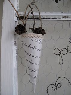 Simple place for your dried flowers.