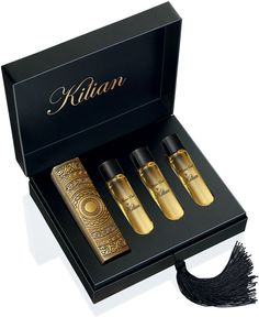 Killian Amber Oud. I never leave the house without it. The sexiest perfume on earth.