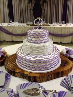Wedding cake Amazing Cakes, Wedding Cakes, Bakery, Wedding Ideas, Future, Desserts, Tailgate Desserts, Future Tense, Wedding Pie Table