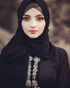 Hijab Outfit Fashion Beautiful Dress Beautiful Hijab Girl, Beautiful Muslim Women, Beautiful Asian Girls, Arab Girls Hijab, Girl Hijab, Muslim Girls, Hijab Outfit, Niqab Fashion, Muslim Fashion
