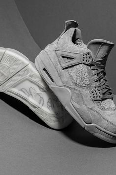 From telephone booths to figurines to tees, the mediums in which KAWS has used to spread his art have varied over the years. Some would argue that his best work came when he turned the Air Jordan 4 into a work of sneaker art in 2017. Sneaker Art, Jordan 3, Streetwear Brands, Air Jordans, Street Wear, Retro, Telephone, Sneakers, Kicks