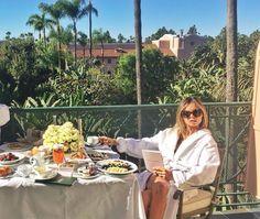 Warming up for the weekend  #BeverlyHillsHotel  @ericapelosini #LunaAtelier #PyjamaChic