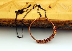 Handmade choker. Boho necklace with figure made with copper, silk & colored beads.Original choker.Natural jewel. Handmade necklace  A necklace that will remind you of the joy that thou. When I create my pieces I do with everyday items and natural materials. The harmony of materials will make you feel that happiness depends entirely on you Live and enjoy this jewel.  Measurements: 38.2 in     __________________________  Materials:  chain silk, colored pearls & Czech glass beads copper ...