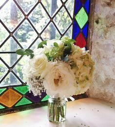 Bouquet vert et blanc, pivoine, viburnum