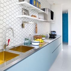 This is my inspiration today - amazing kitchen designed by Nesso. Loving the gold sink!! What do you think? #interiordesign #kitchendesign #kitcheninspiration #kitchendecor #sink #gold #goldsink #interiorinspiration #interiorideas