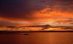 Coucher de soleil sur Arradon, vu de l'île d'Arz