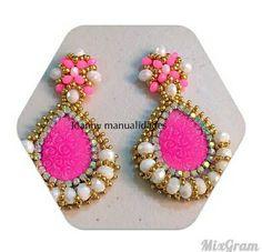 Aretes Thread Jewellery, Jewellery Display, Beaded Jewelry, Handmade Jewelry, Diy Fashion, Fashion Jewelry, Craft Accessories, Silk Thread, Bead Earrings