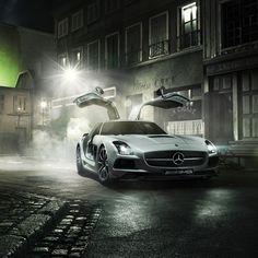 Stunning work from @fredericschlosser. CC: @Mercedes-Benz – The best or nothing    #MBPhotoCredit    #SLS #AMG #mercedes #benz #instacar
