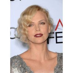 Charlize Theron At Arrivals For Afi Fest 2009 Gala Screening Of The Road & A Tribute To Viggo Mortensen Canvas Art - (16 x 20)
