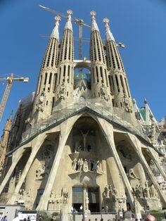 barcelona | La Sagrada Familia Church in Barcelona, Spain