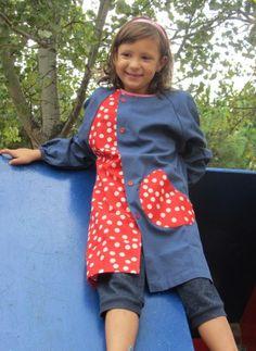 ¿Quieres una bata de primaria totalmente original y diferente? Ésta es la tuya. http://www.monstruitos.es/home/25-bata-primaria-topos-roja.html