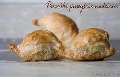 Pierożki francuskie nadziewane farszem serowym Garlic, Vegetables, Food, Essen, Vegetable Recipes, Meals, Yemek, Veggies, Eten