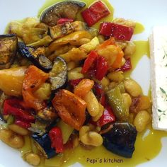 Bacon Pasta, Spinach Pasta, Greek Recipes, Ratatouille, Fruit Salad, Vegetarian Recipes, Food And Drink, Favorite Recipes, Lunch