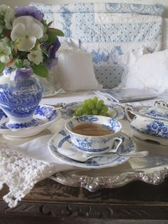 Blue and white tea set. I like the blue and white. Blue And White China, Blue China, Dresser La Table, My Cup Of Tea, Tea Service, High Tea, My Favorite Color, Afternoon Tea, Shades Of Blue