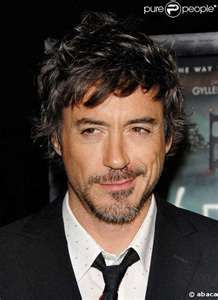 Robert Downey Jr., hotness personified. So glad he's cleaned up, means more movie roles!!!