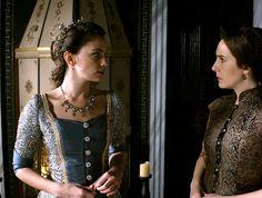 Farya's two-tone blue dress, 2x13 - Magnificent Wardrobe