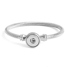 Fits up to 7.75 inch wrist. Create your own interchangeable jewelry with Petite Ginger Snaps Accessories.