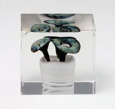 Vuosikuutio/Annual cube 1978 - Toikka, Oiva Glass Cube, Glass Art, Cubes, Finland, Cool Designs, Objects, Birds, Sculpture, Ceramics